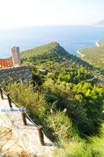 Mooi uitzicht vanaf Alonissos stad | In de verte Skopelos | De Griekse Gids 2 - Foto van De Griekse Gids